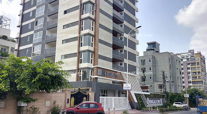 Ridhiraj Bungalow 8 Apartments