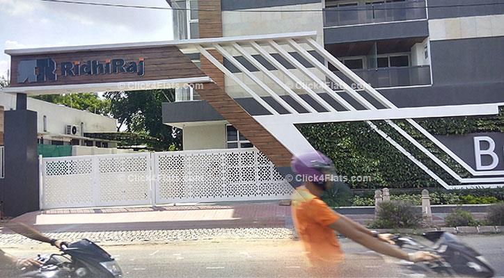 Ridhiraj Bungalow 8 Flats for Sale